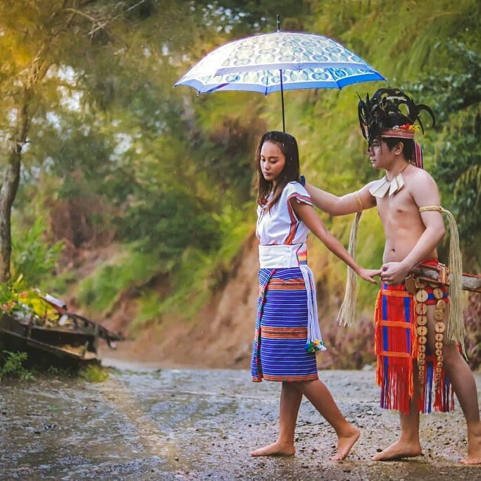 Nhan sac co be an xin tro thanh nguoi mau noi tieng Philippines-Hinh-11