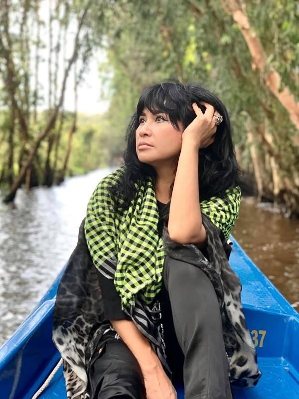 Diva Thanh Lam hanh phuc di du lich cung ban trai bac si-Hinh-2