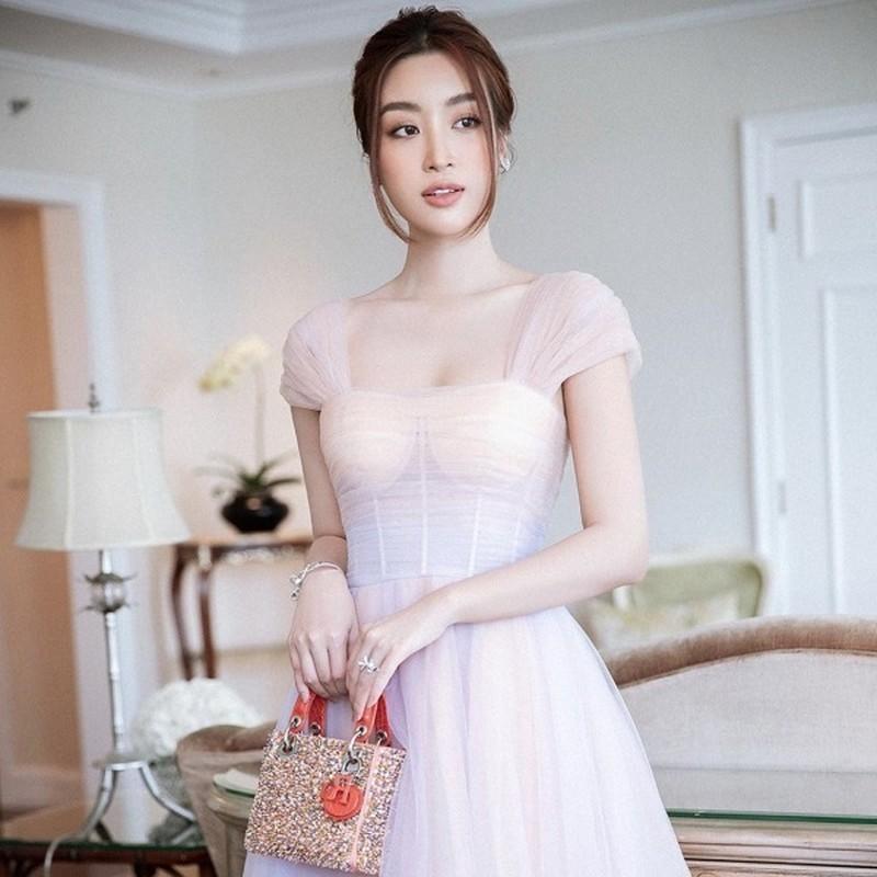 Diva Thanh Lam hanh phuc di du lich cung ban trai bac si-Hinh-5