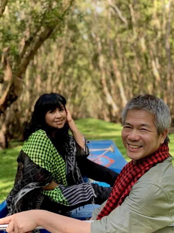 Diva Thanh Lam hanh phuc di du lich cung ban trai bac si