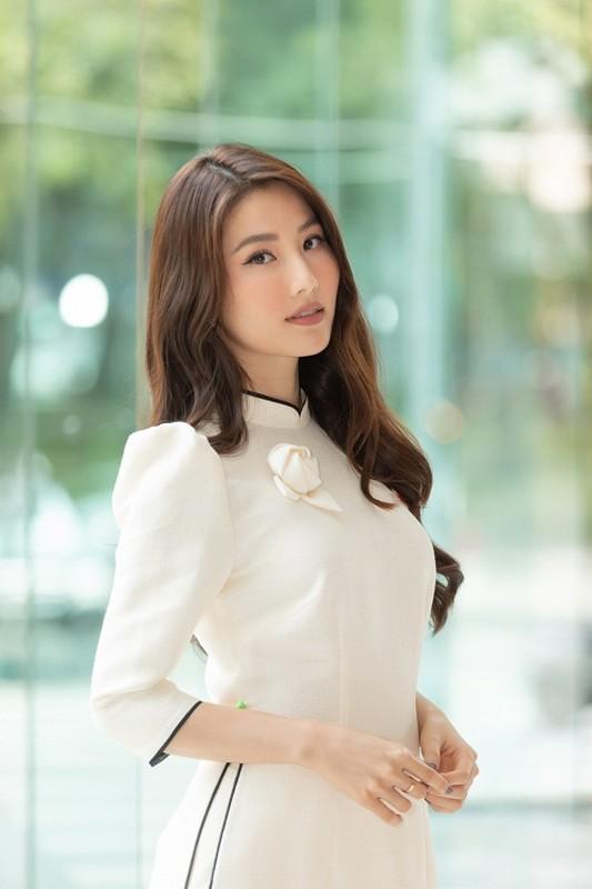 """Diem My """"Tinh yeu va tham vong"""" hanh phuc ben ban trai doanh nhan-Hinh-11"""