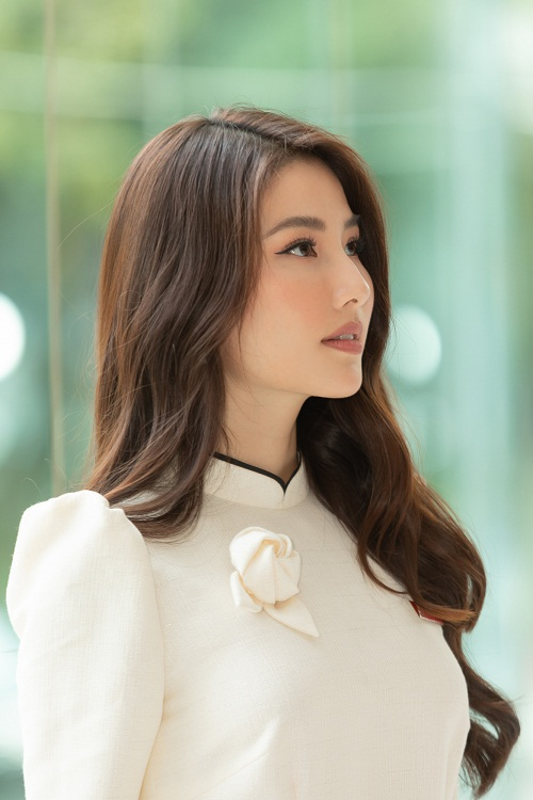 """Diem My """"Tinh yeu va tham vong"""" hanh phuc ben ban trai doanh nhan-Hinh-12"""