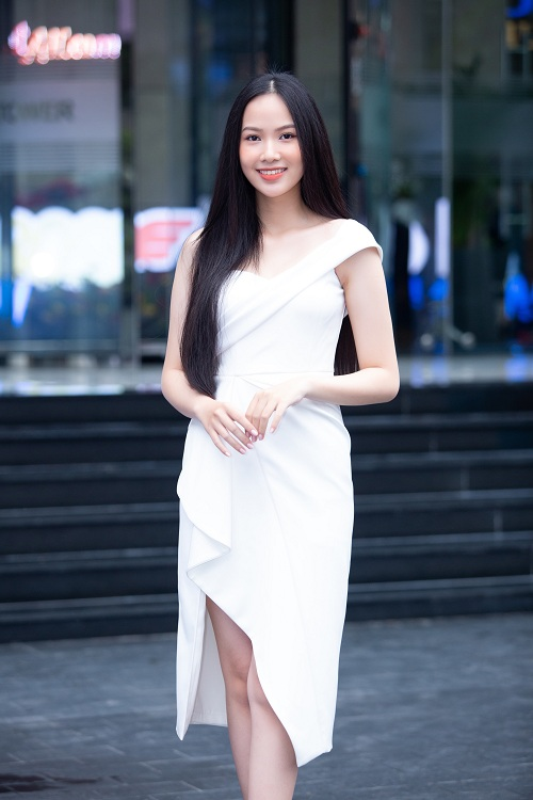 Nhan sac xinh dep dan thi sinh lot Ban ket Hoa hau Viet Nam 2020-Hinh-12