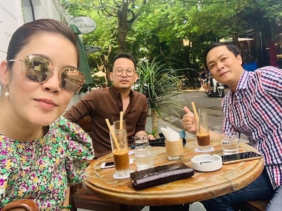 Mai Phuong Thuy dien dam hai day om sat khoe vong 1 goi cam-Hinh-9