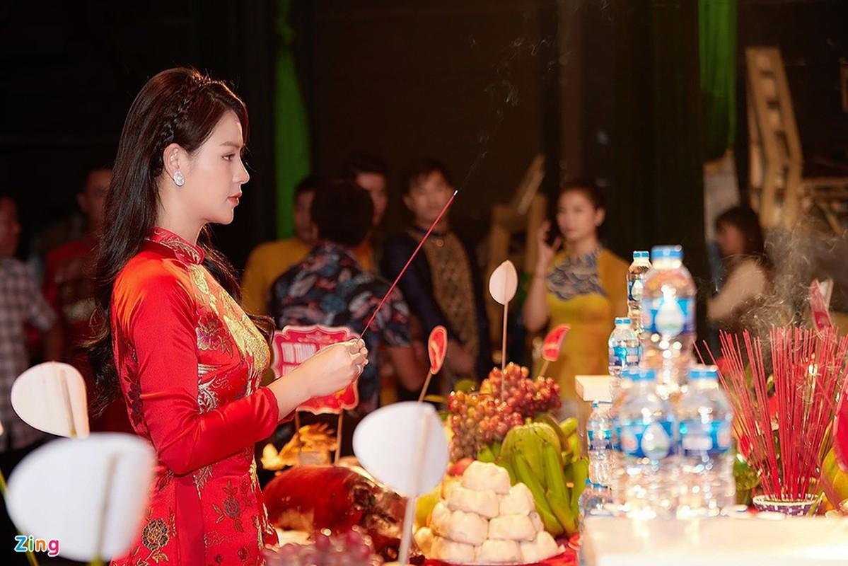Thanh Son, Thu Quynh quy tu trong ngay gio To nghe san khau-Hinh-4