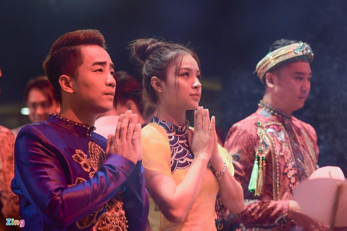 Thanh Son, Thu Quynh quy tu trong ngay gio To nghe san khau-Hinh-5