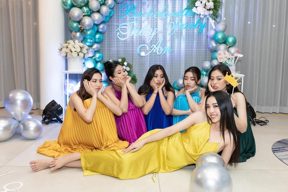 Suối tóc nữ thần của mỹ nhân Việt: 3 phần thật, 7 phần