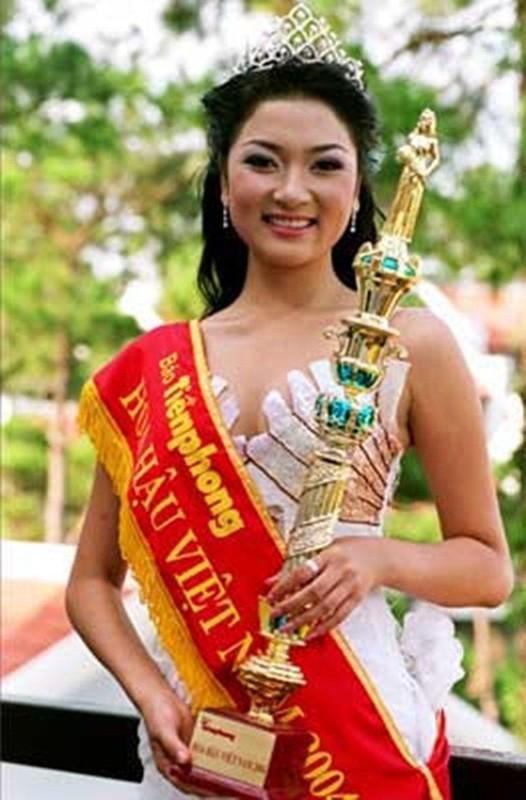 Nhan sac Hoa hau Nguyen Thi Huyen the nao sau 16 nam dang quang?-Hinh-3