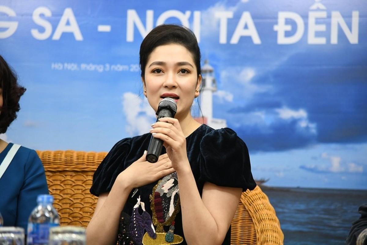 Nhan sac Hoa hau Nguyen Thi Huyen the nao sau 16 nam dang quang?-Hinh-6