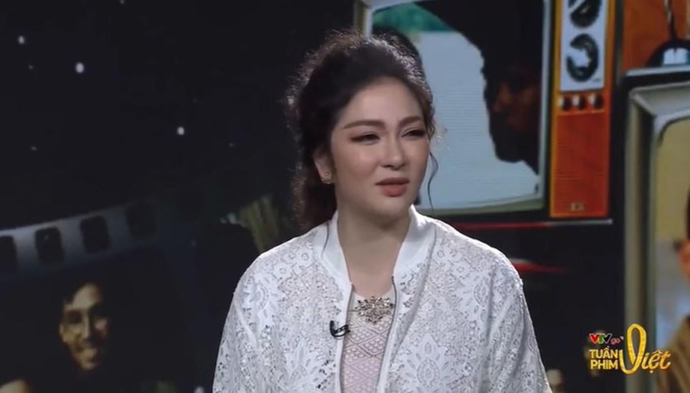 Nhan sac Hoa hau Nguyen Thi Huyen the nao sau 16 nam dang quang?