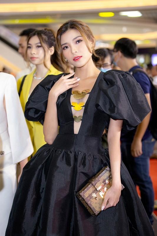MC Quyen Linh dua con gai xinh nhu hoa hau di su kien-Hinh-10