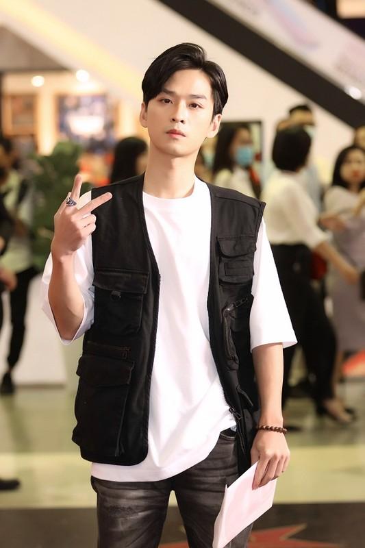 MC Quyen Linh dua con gai xinh nhu hoa hau di su kien-Hinh-15