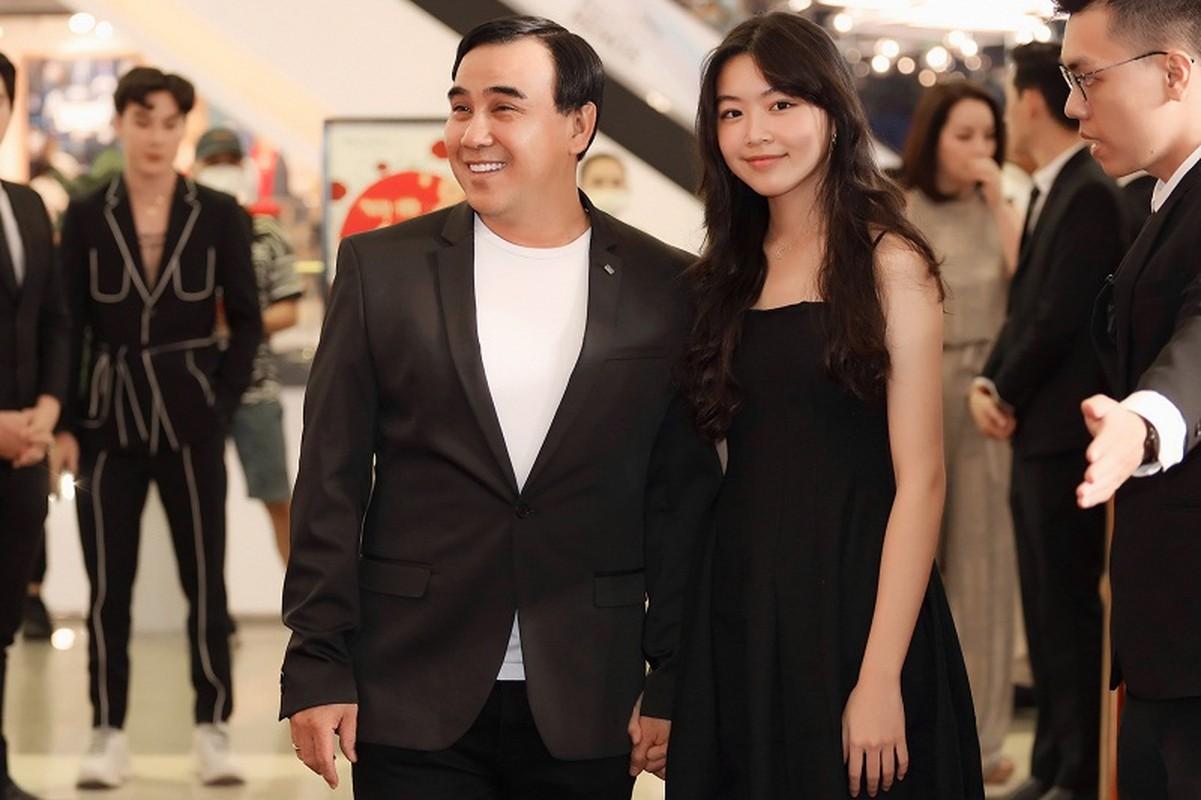 MC Quyen Linh dua con gai xinh nhu hoa hau di su kien-Hinh-2