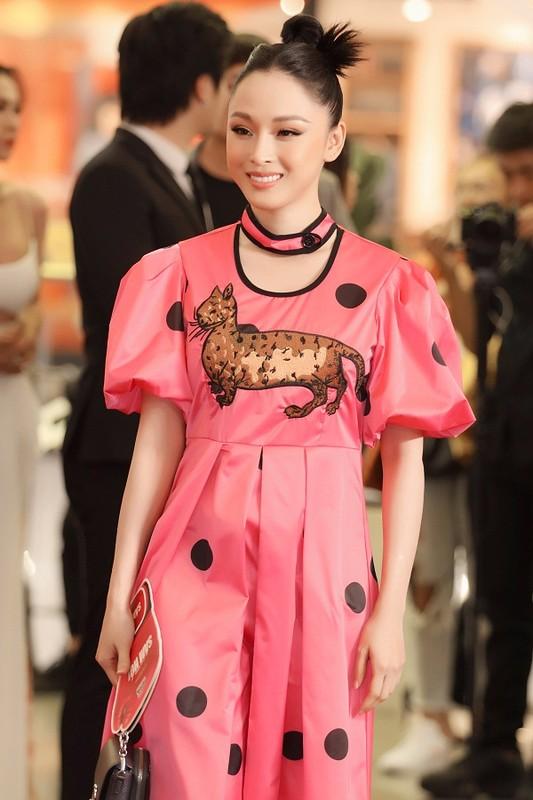 MC Quyen Linh dua con gai xinh nhu hoa hau di su kien-Hinh-4