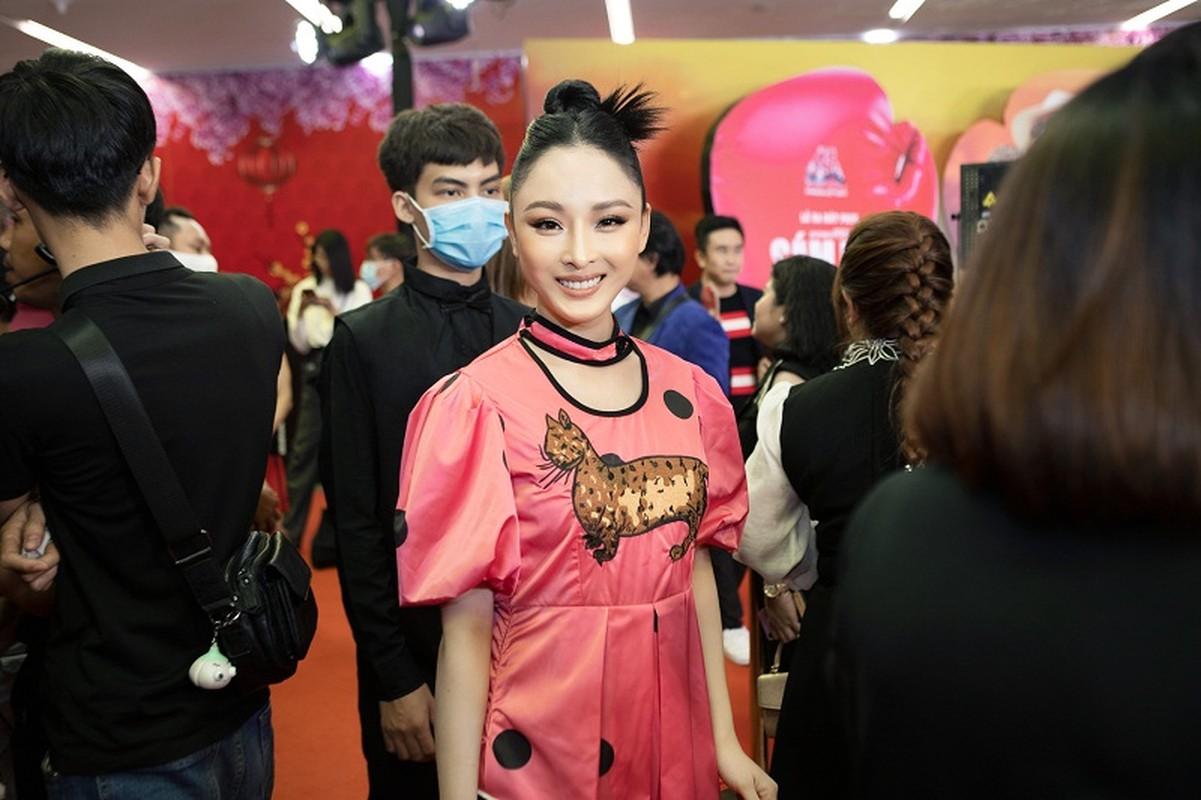 MC Quyen Linh dua con gai xinh nhu hoa hau di su kien-Hinh-5