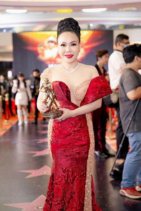 MC Quyen Linh dua con gai xinh nhu hoa hau di su kien-Hinh-6