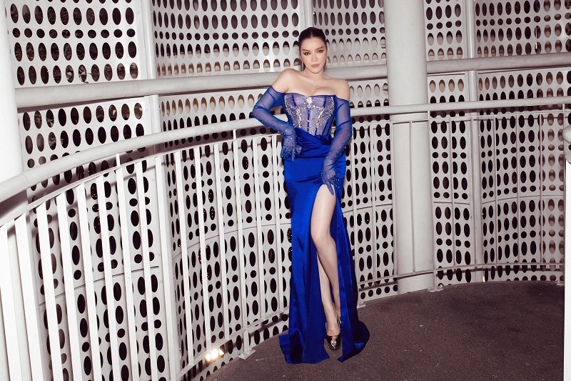 Ly Nha Ky xuat hien sang chanh voi xe hop 40 ty-Hinh-2