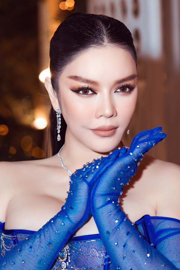 Ly Nha Ky xuat hien sang chanh voi xe hop 40 ty-Hinh-5