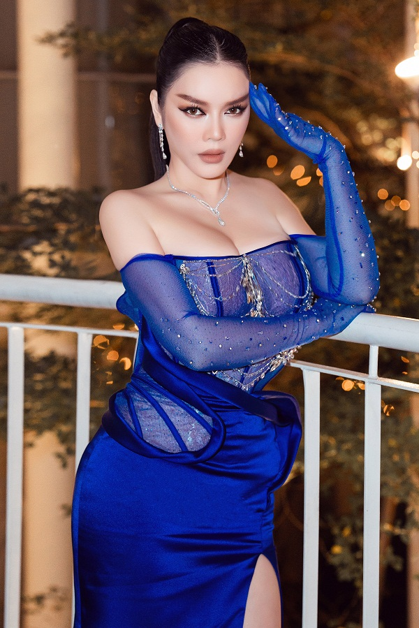 Ly Nha Ky xuat hien sang chanh voi xe hop 40 ty-Hinh-6