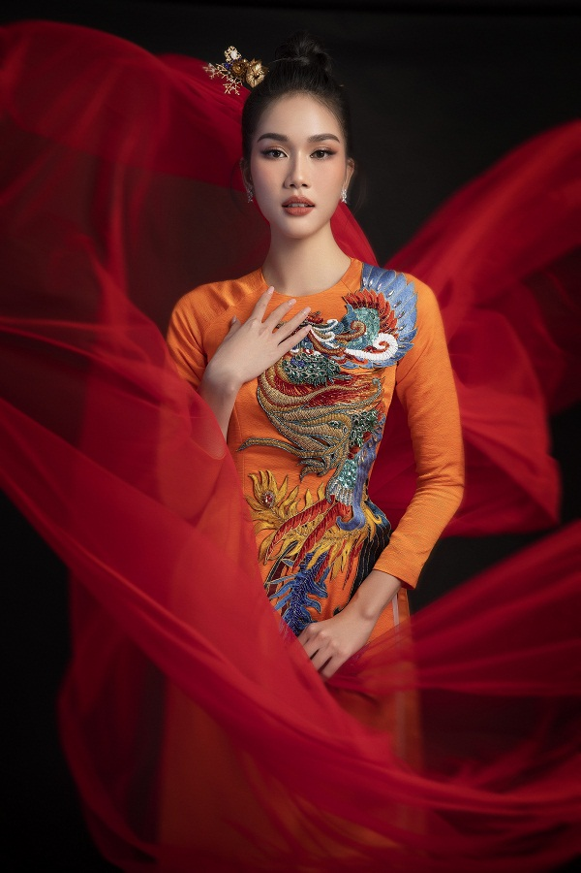 Hoa hau Do Thi Ha dep thoi mien trong bo anh Tet-Hinh-6