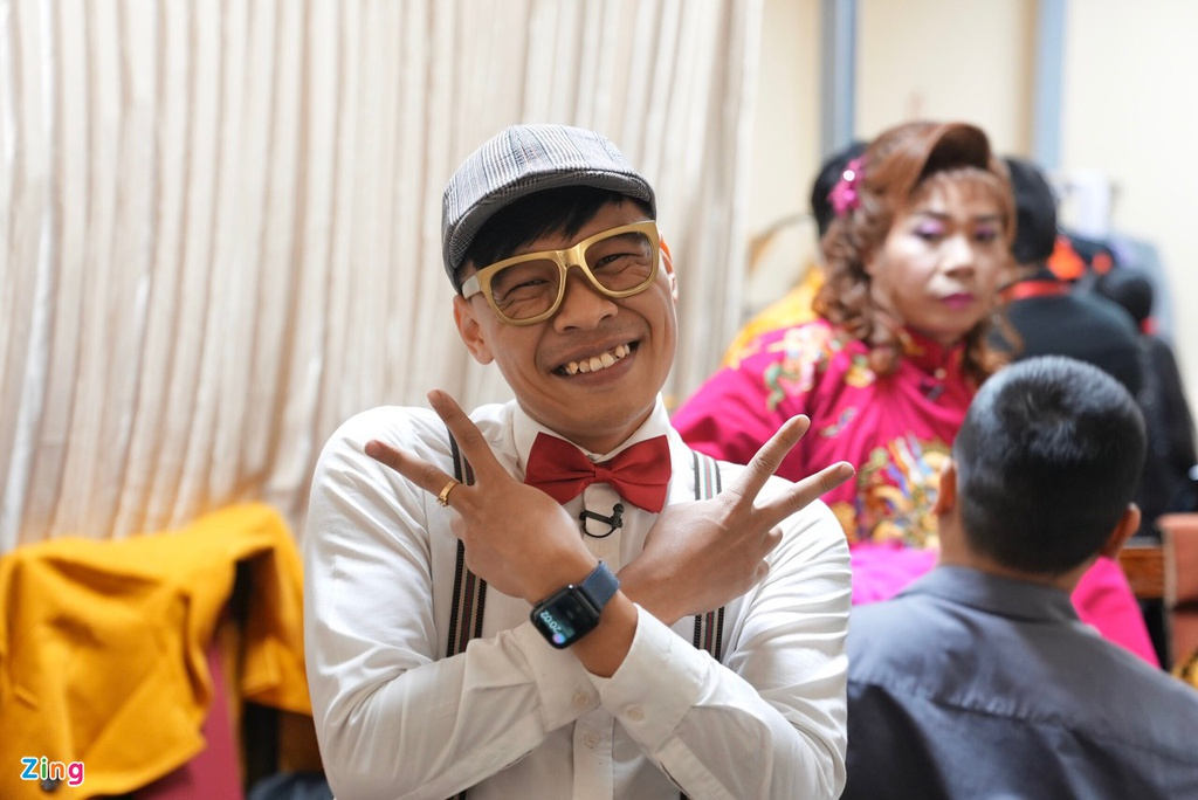 Cong Ly duoc vo tre cham soc trong hau truong ghi hinh Tao quan-Hinh-9