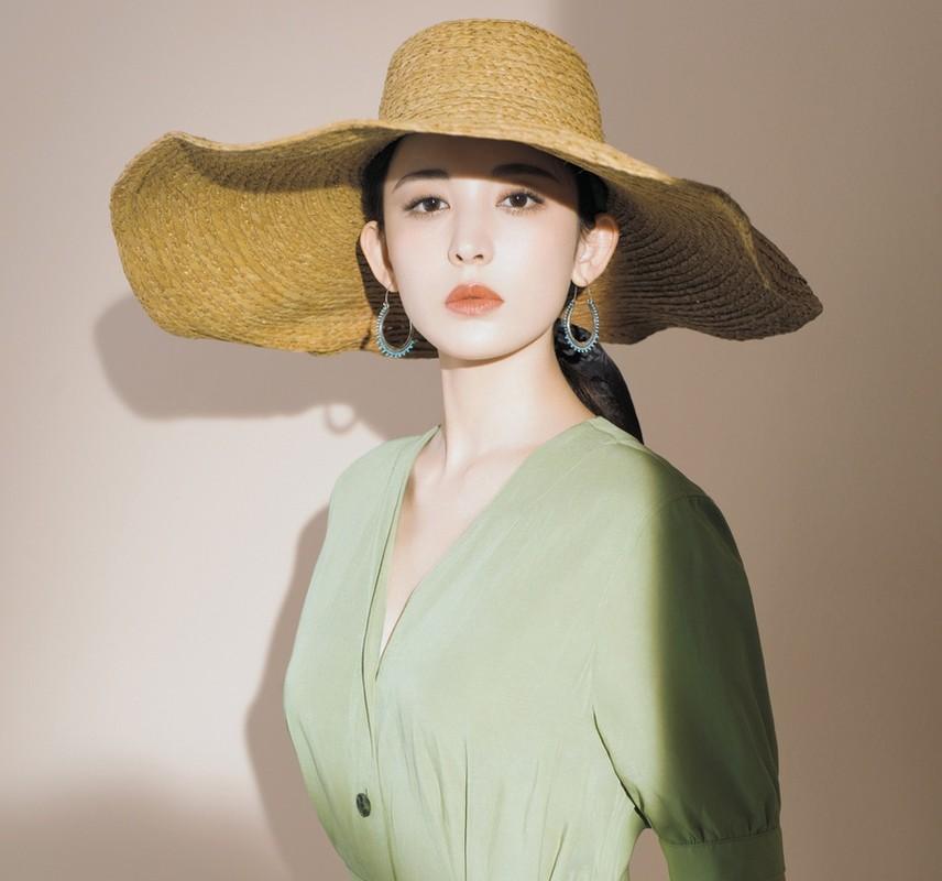 Co Luc Na Trat xinh phat hon nhung lam thi phi tai tieng-Hinh-11