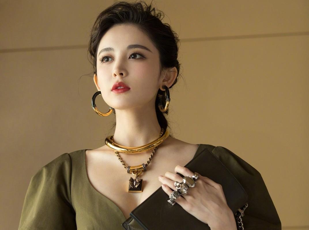 Co Luc Na Trat xinh phat hon nhung lam thi phi tai tieng-Hinh-12