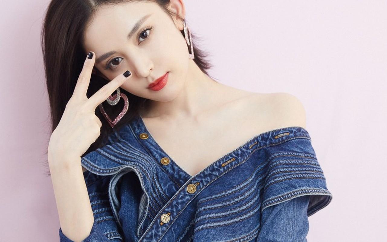 Co Luc Na Trat xinh phat hon nhung lam thi phi tai tieng-Hinh-14