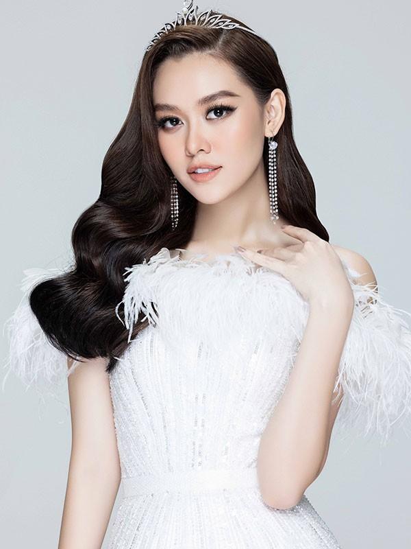 Hoa hau Luong Thuy Linh thang hang nhan sac sau 2 nam dang quang-Hinh-10
