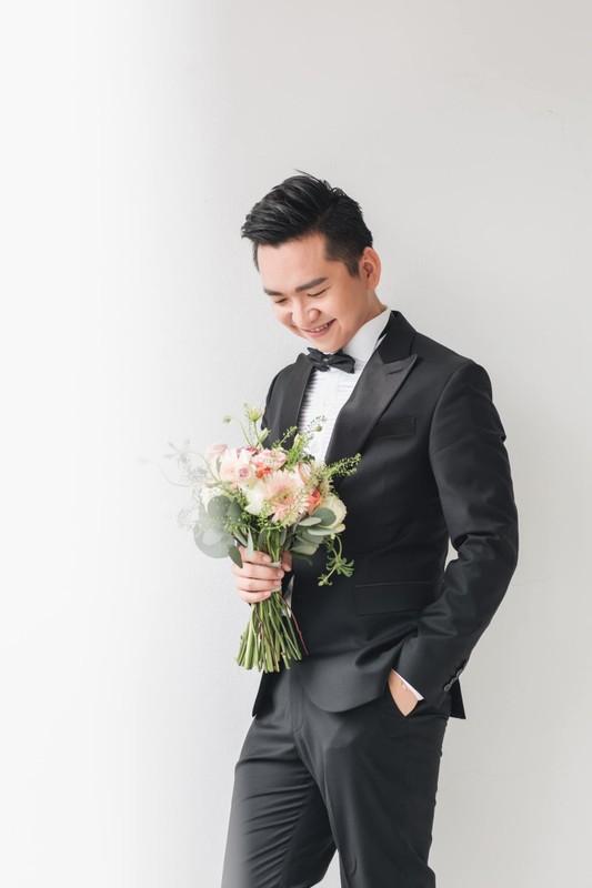 MC Hanh Phuc lan dau khoe anh cuoi sau hon mot nam ket hon-Hinh-6