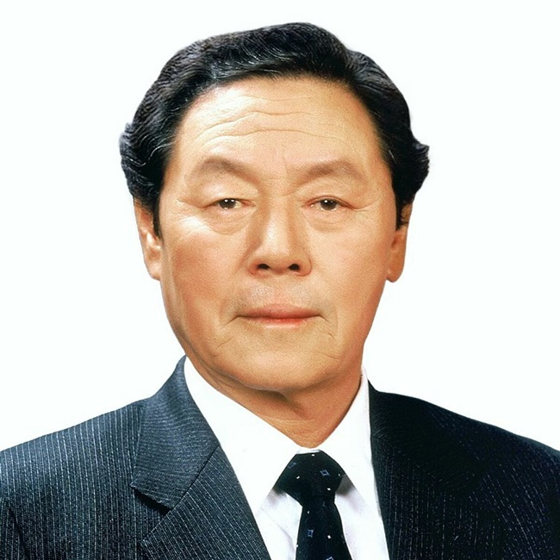 """Linh cam dung ve thu """"hai ra tien"""", nguoi dan ong co cong ty """"khung""""-Hinh-3"""
