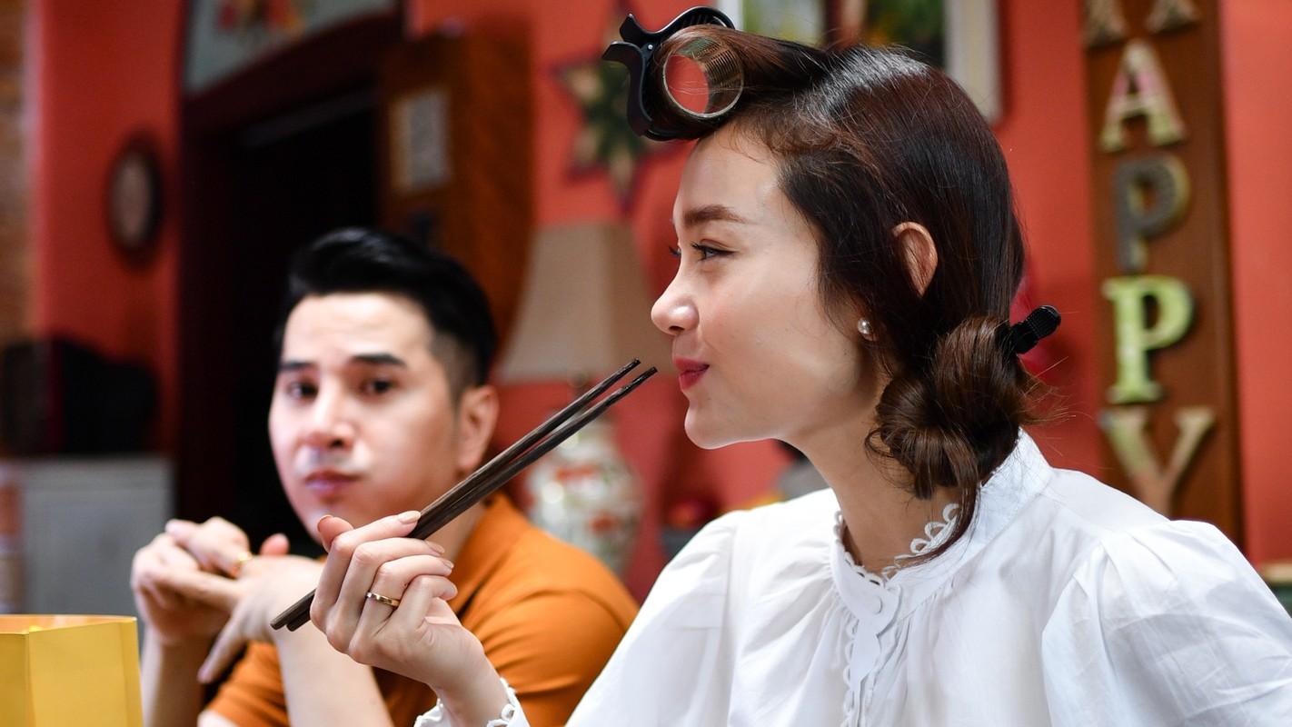 Mot ngay cua Minh Hang va be Bu Tot tren phim truong-Hinh-14