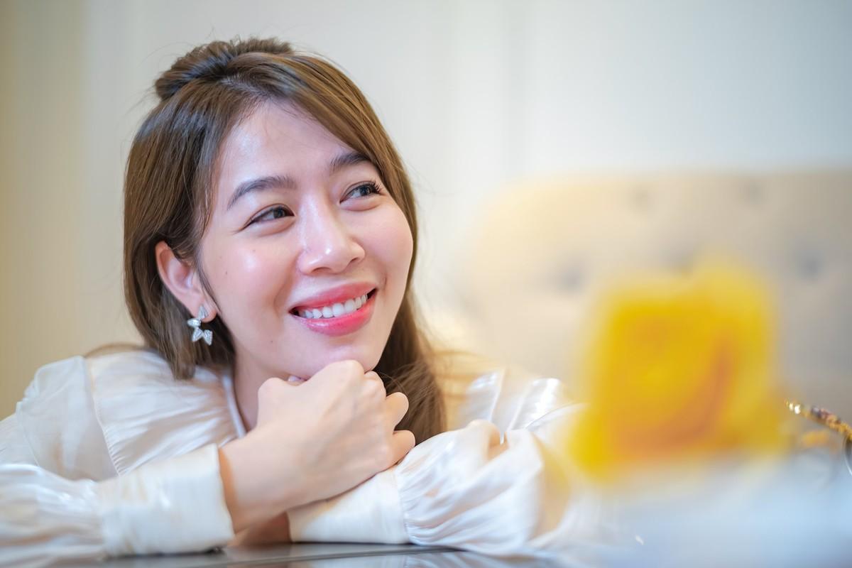 MC Diep Chi tre xinh o tuoi 35, song binh yen ben con gai-Hinh-7