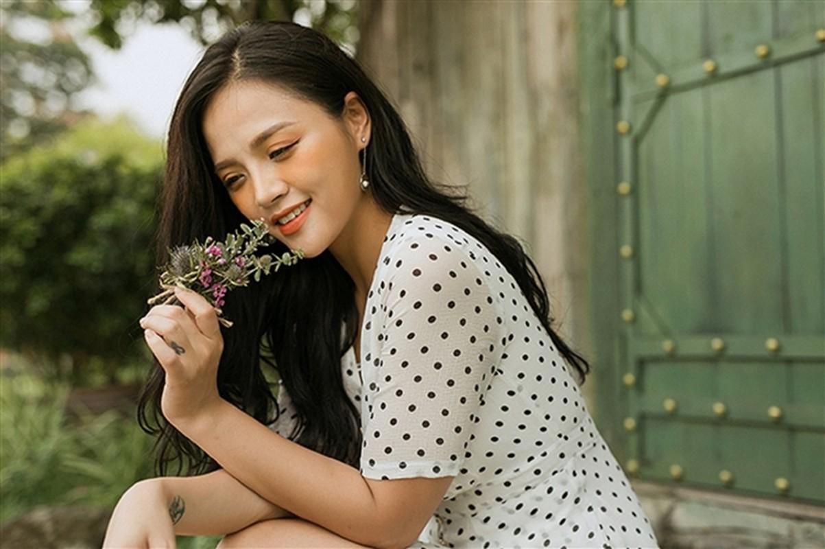 Loat anh Thu Quynh di thi hoa hau 13 nam truoc gay sot-Hinh-10