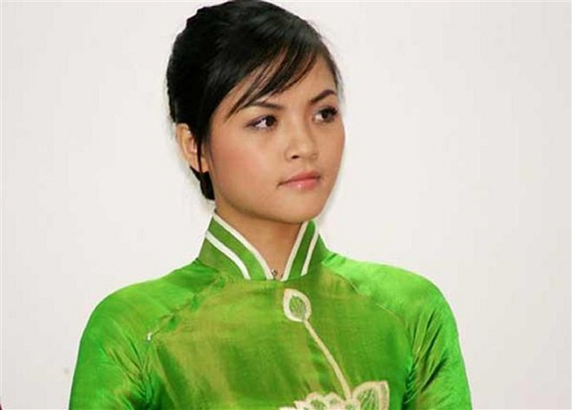 Loat anh Thu Quynh di thi hoa hau 13 nam truoc gay sot-Hinh-2