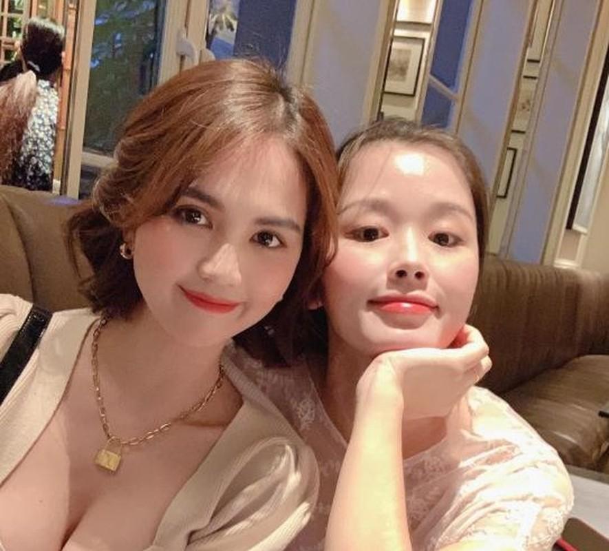 Chat nhu Ngoc Trinh, tang 279 trieu cho nguoi em trung sinh nhat-Hinh-2