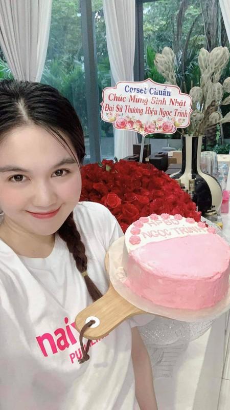 Chat nhu Ngoc Trinh, tang 279 trieu cho nguoi em trung sinh nhat-Hinh-4
