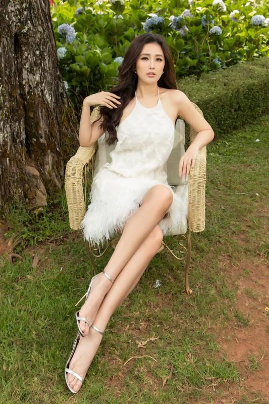 Tuyet chieu len do khoe nguc no chan thon cua Mai Phuong Thuy-Hinh-3