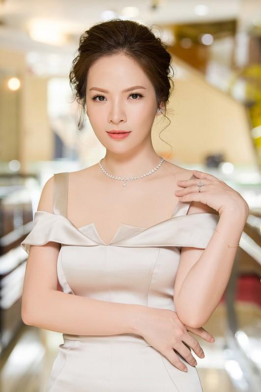 """Dan Le ban chuyen danh ghen, fan khen """"chuan khong can chinh""""-Hinh-3"""