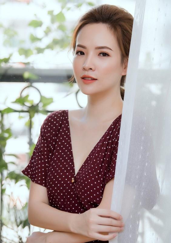 """Dan Le ban chuyen danh ghen, fan khen """"chuan khong can chinh""""-Hinh-7"""