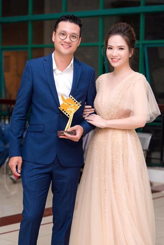 """Dan Le ban chuyen danh ghen, fan khen """"chuan khong can chinh""""-Hinh-9"""