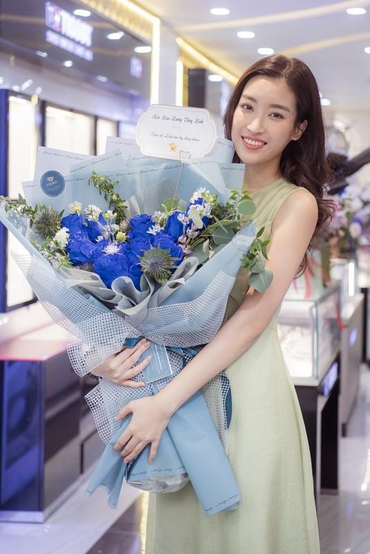 Do My Linh khoe phong ngap hoa trong ngay sinh nhat tuoi 25-Hinh-7