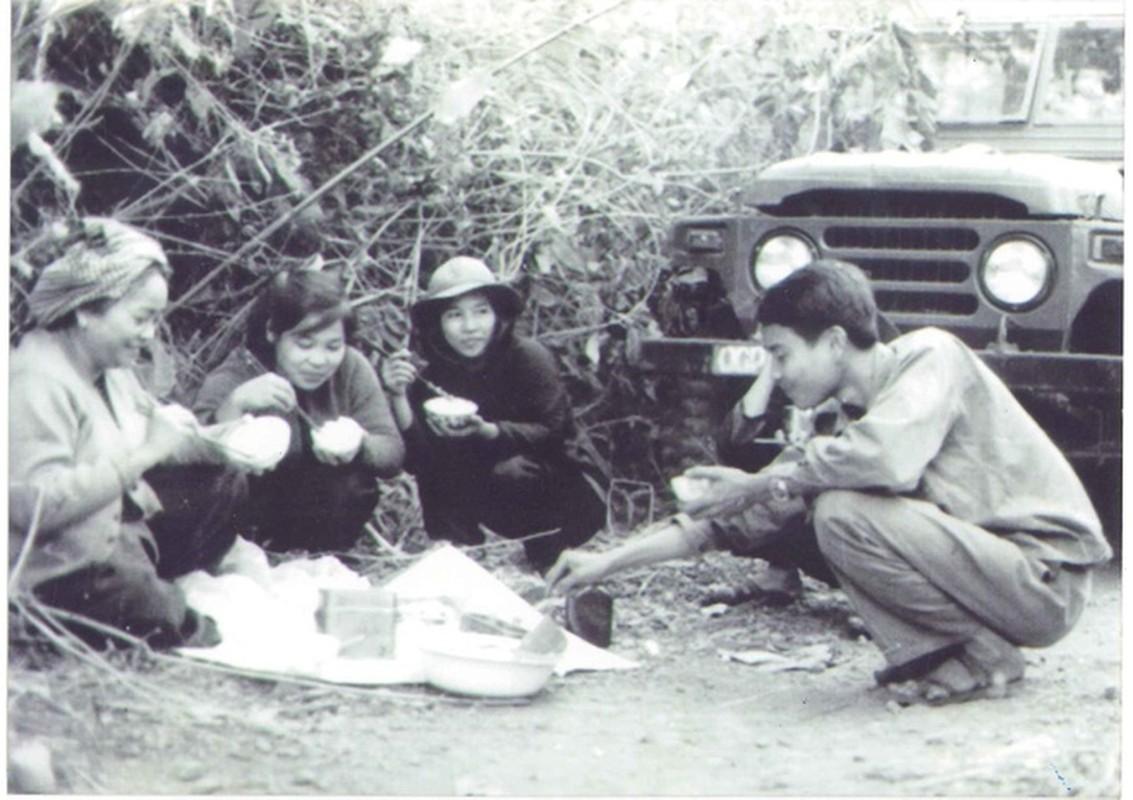 Anh hiem ve nu tuong dau tien cua Quan doi nhan dan Viet Nam-Hinh-5