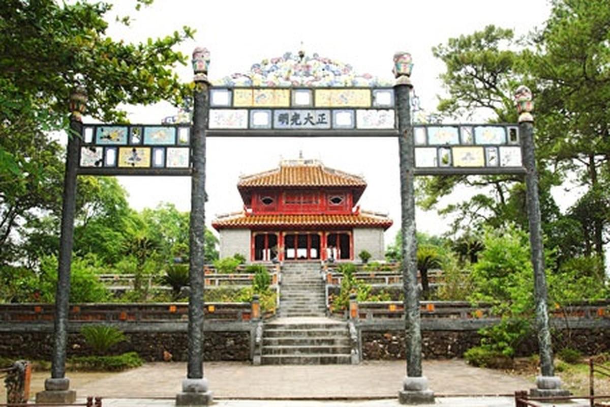 6 ho tuong gioi nhat theo danh gia cua vua Minh Mang