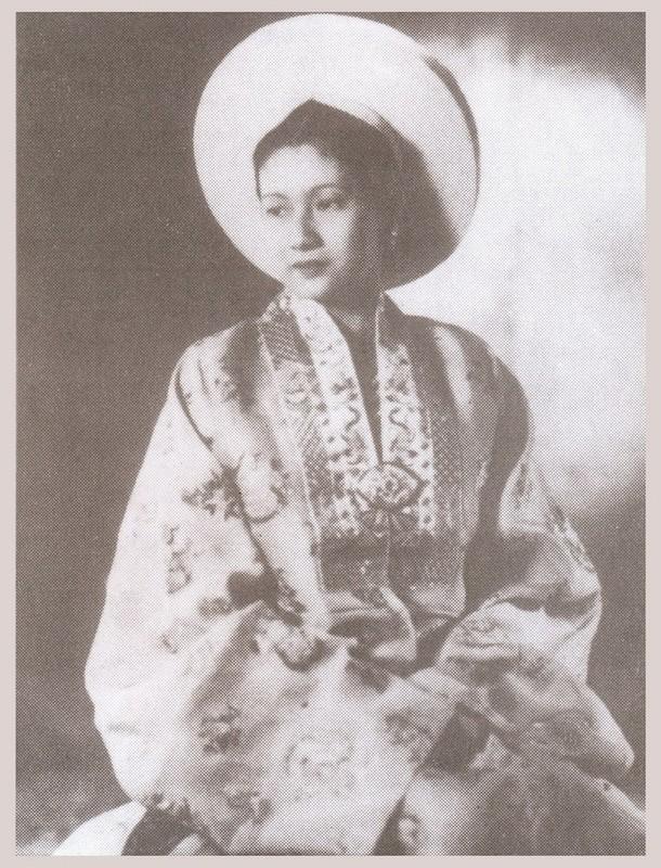 Nhan sac hon nguoi cua Nam Phuong Hoang hau khien Bao Dai me dam-Hinh-7