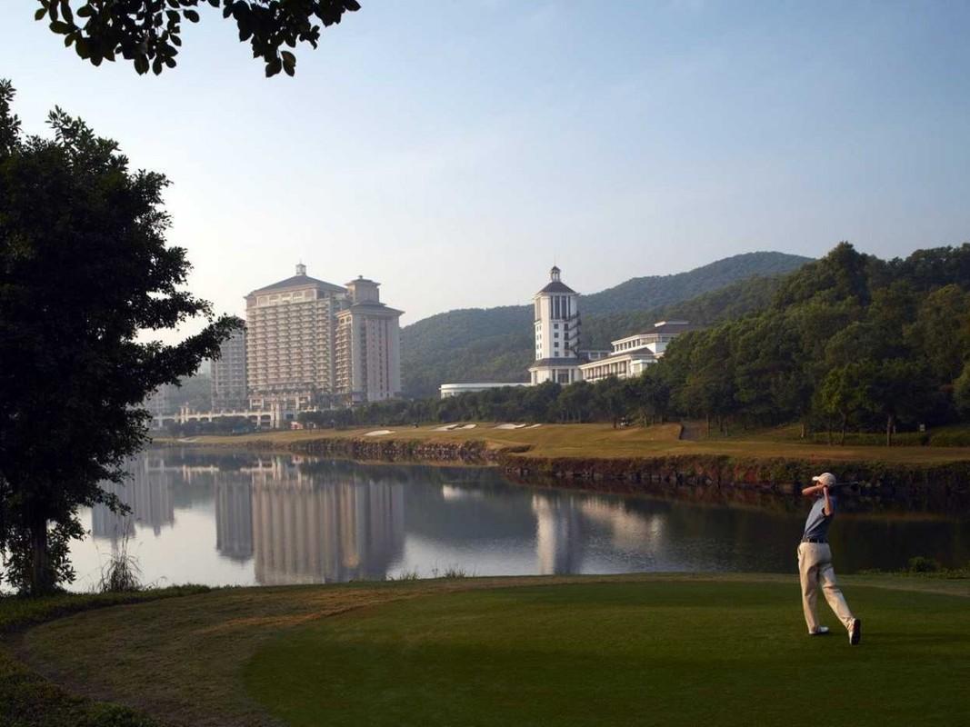 Zoom sat san golf lon nhat the gioi-Hinh-12