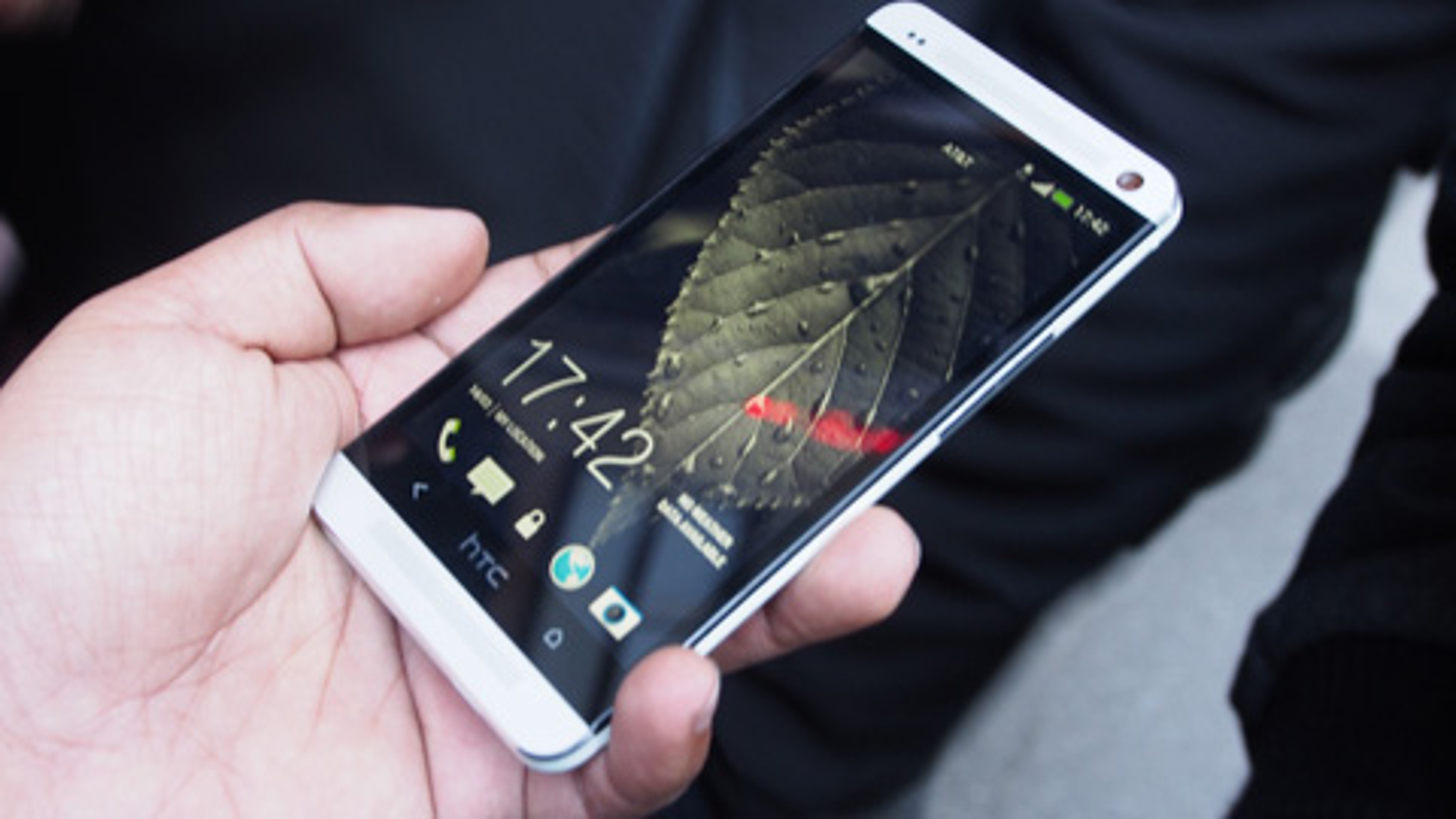 Nhung smartphone man hinh full HD gia re-Hinh-8