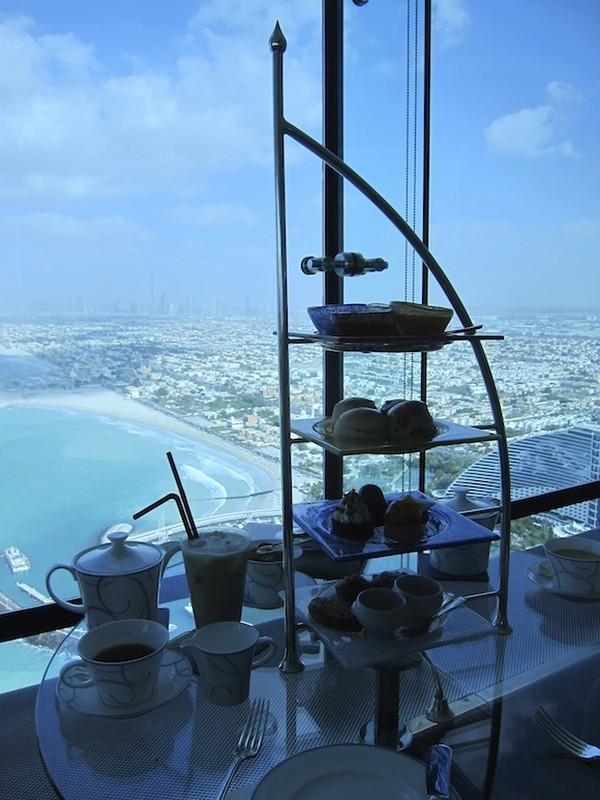 Bi mat khung trong quan bar dat do bac nhat Dubai-Hinh-10