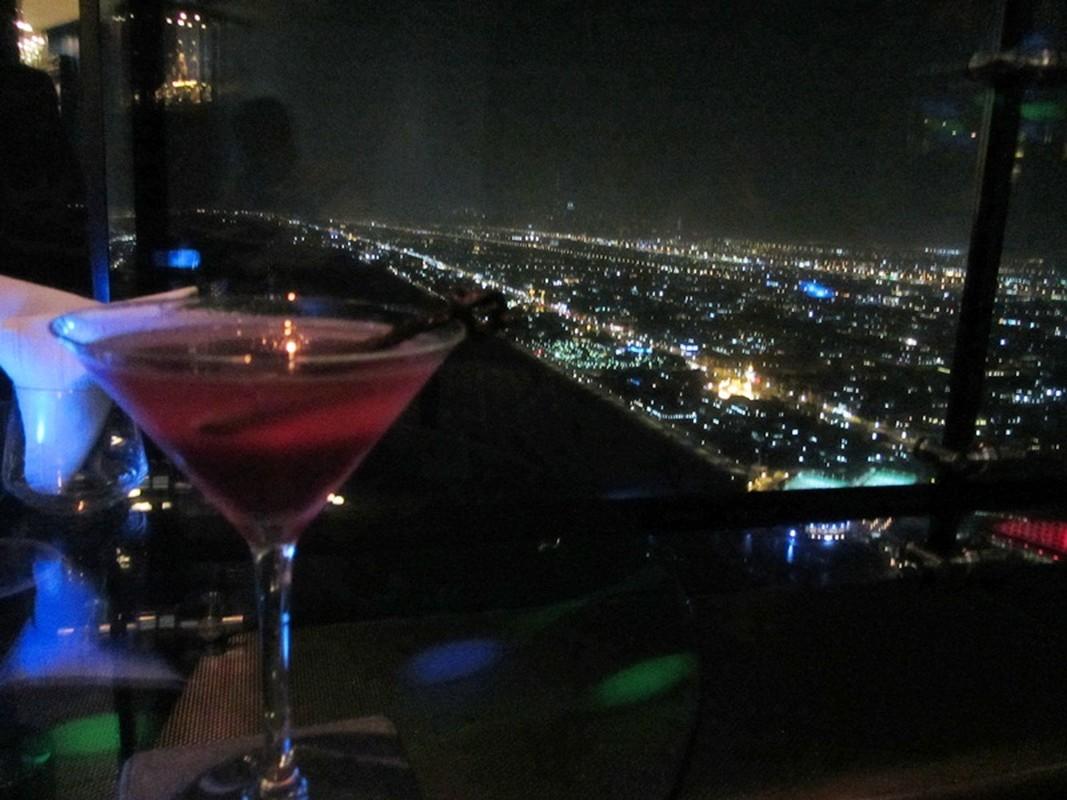 Bi mat khung trong quan bar dat do bac nhat Dubai-Hinh-11
