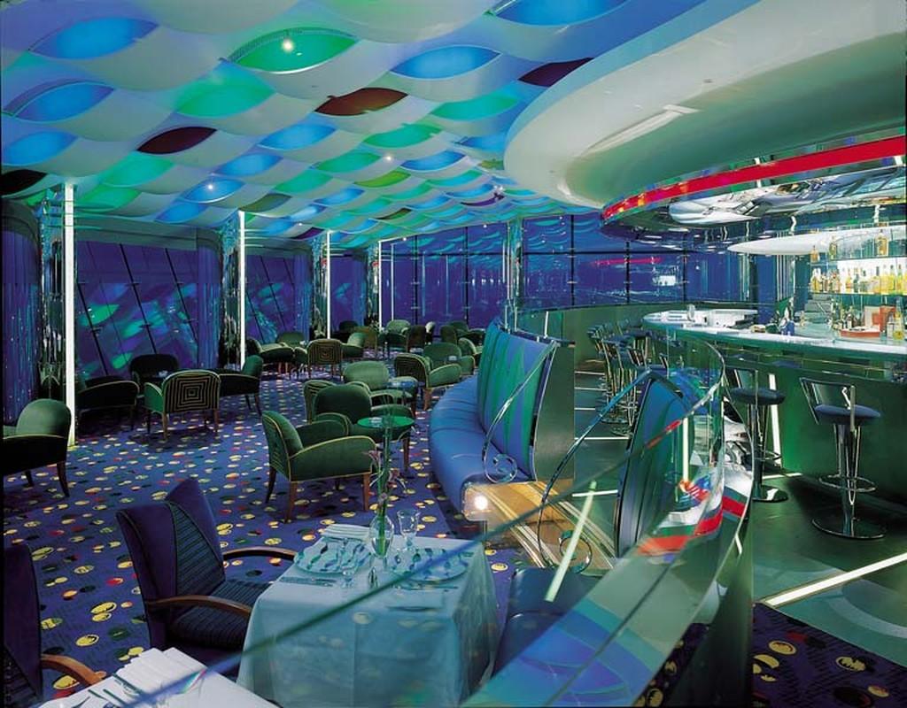 Bi mat khung trong quan bar dat do bac nhat Dubai-Hinh-3